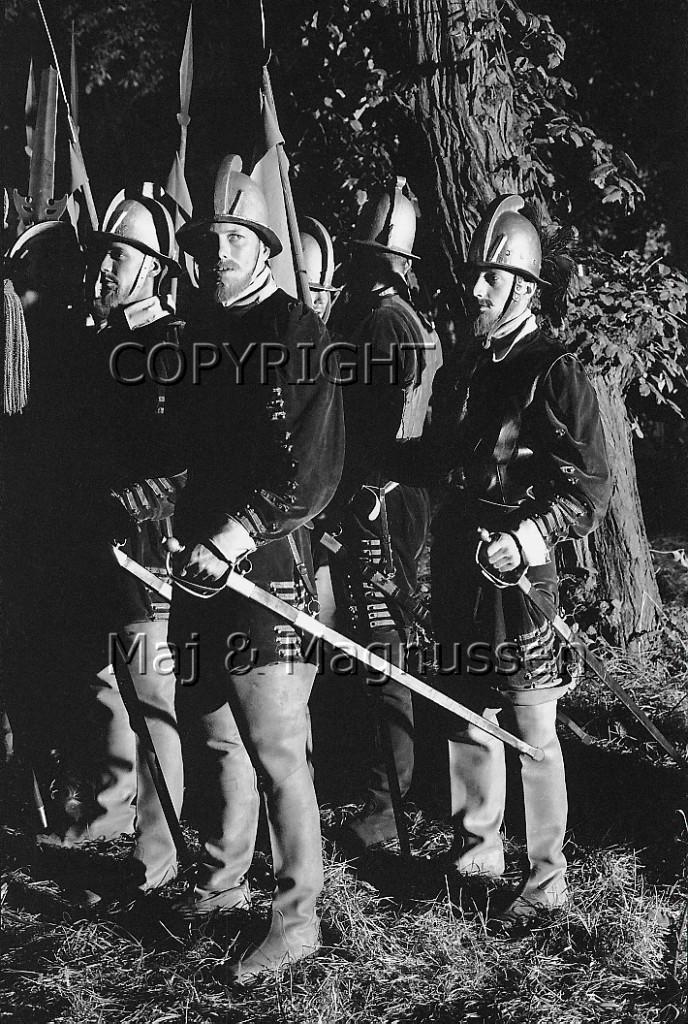 hamlet phillip burton The fifteen minute hamlet: bernardo, horejšio & lejertiz:  philip seymour hoffman talks about his role in capote on the  richard burton (1977) jon voight (1978.