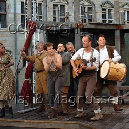 hamlet-shakespears-globe-dansescene-0147.jpg