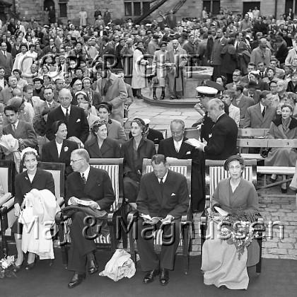 kongefamilie-publikum-kronborg-hamlet-1954.jpg