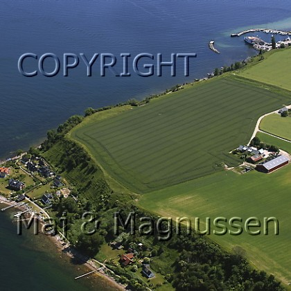 norreborg-med-fyrtaarn-hven-ven-luftfoto-0047.jpg