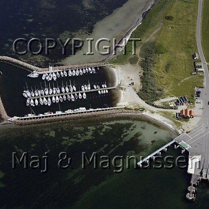 avernakoe-baadehavn-faergehavn-luftfoto-5480.jpg