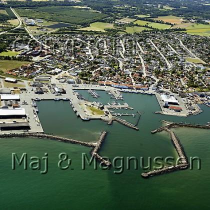 strandby-havn-og-by-aalbaek-bugt-kattegat-luftfoto-6063.jpg